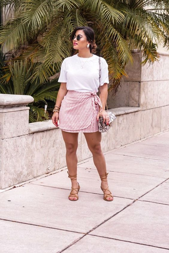 Outfits primavera - verano con falda para mujeres maduras