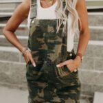 Overoles estilo militar para mujeres de 40