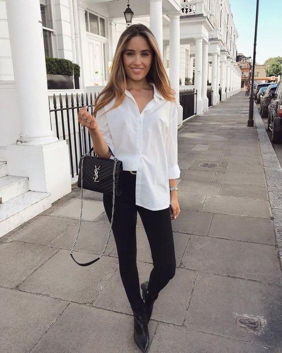 Outfits de blusas blancas con jeans negros
