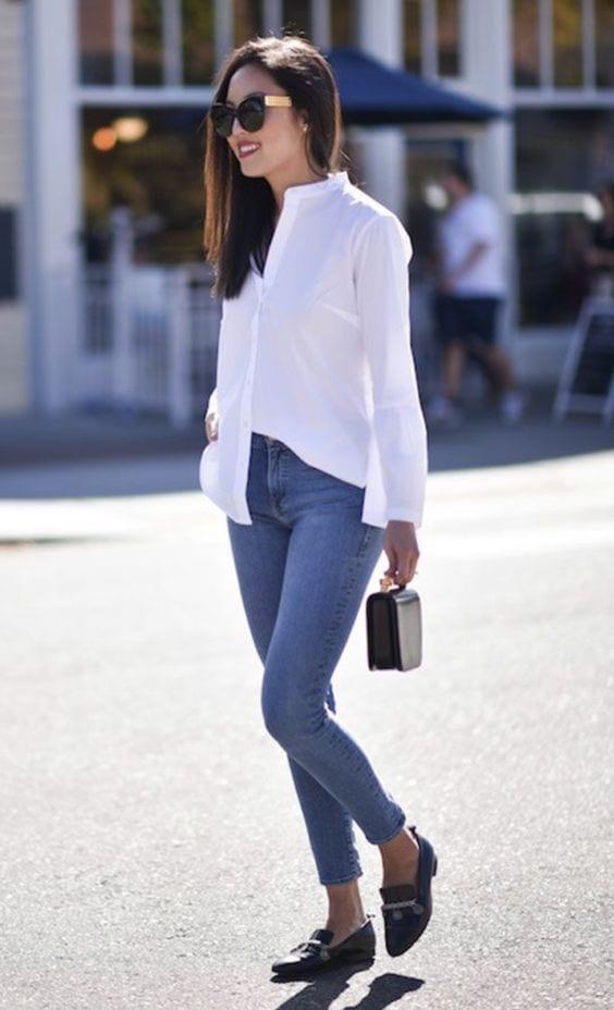 Blusas blancas con jeans de mezclilla