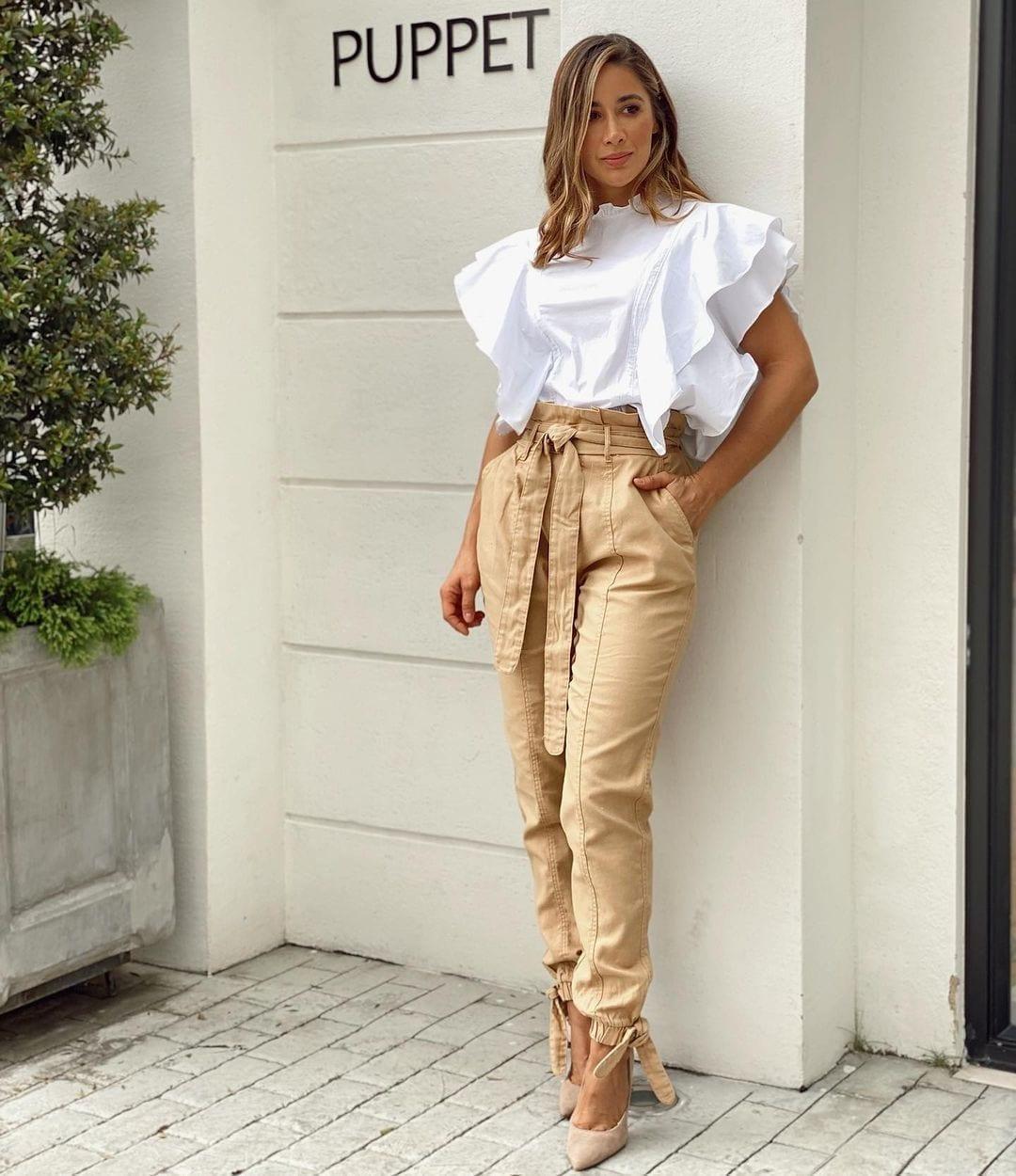 Blusas en color blanco para mujeres maduras