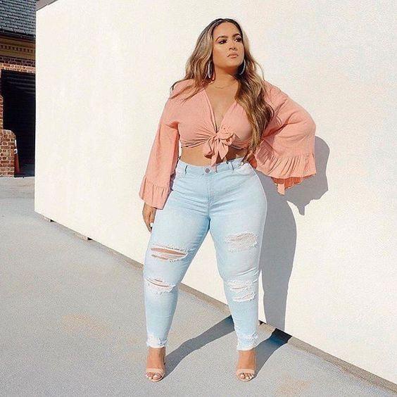 Crop tops con jeans de tiro alto