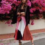 Faldas plisadas para mujeres de espalda y brazo gordito