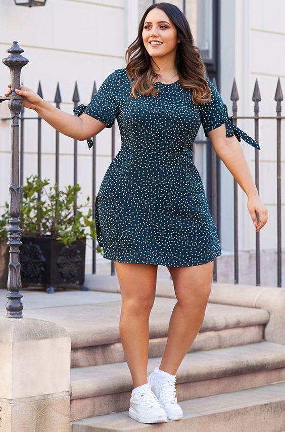 Ideas de looks casuales para mujeres con curvas