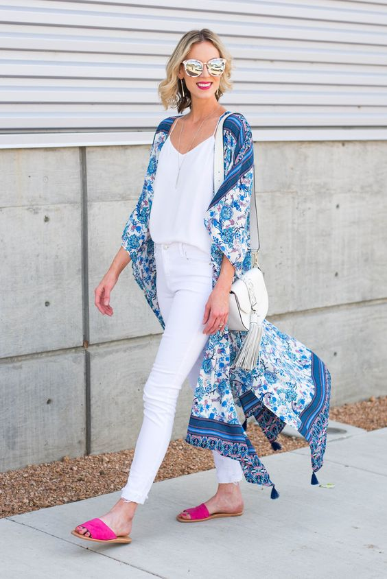 Ideas de looks con jeans blancos y kimono