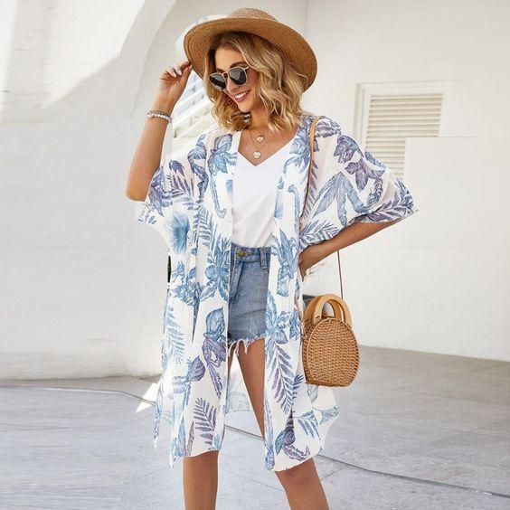Ideas de outfits con kimono para la playa
