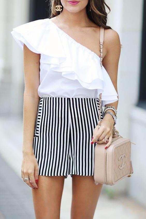 Ideas para combinar blusas blancas con shorts