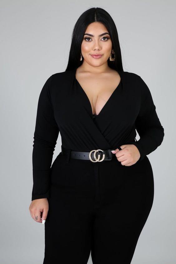 Increíbles looks para mujeres maduras con curvas