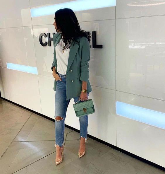 Jeans con blazer para estilizar tu figura