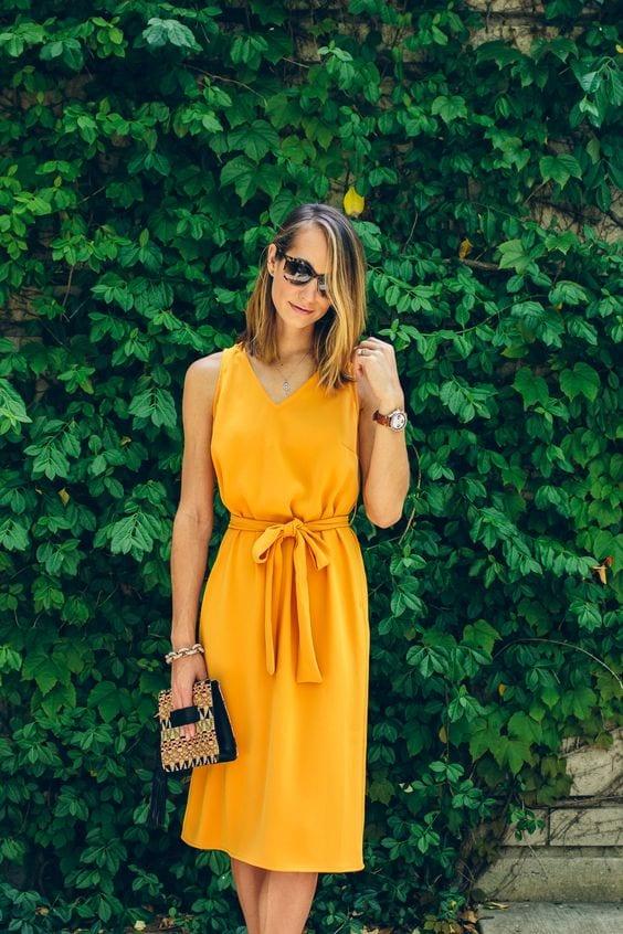 Looks coloridos con vestidos para primavera