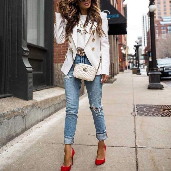 Looks con blazer blanco para mujeres maduras