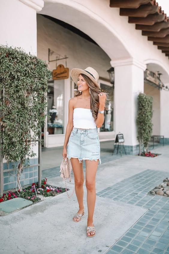 Looks con falda de mezclilla y blusa blanca