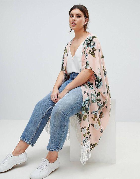 Looks con kimono para mujeres con curvas