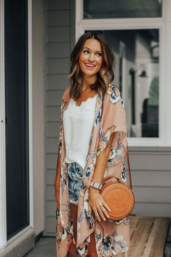 Looks con kimono para mujeres maduras