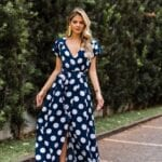 Looks con maxi vestidos de lunares para mujeres de 40
