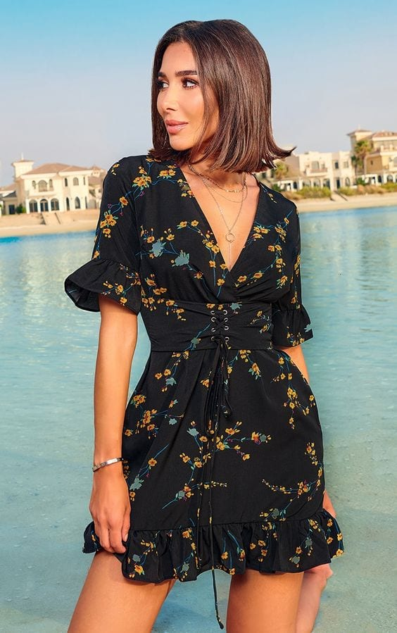 Looks con wrap dress corto para mujeres de 40