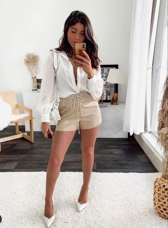 Looks de primavera con short para mujeres de 40