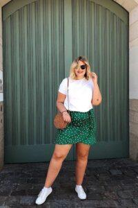 Looks plus size coloridos primaverales para mujeres maduras
