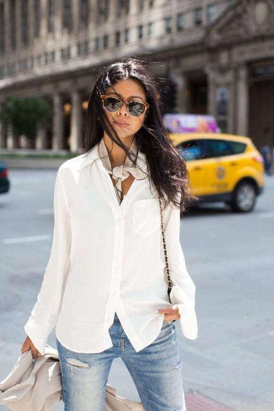 Maneras de darle un giro cool a tu look con blusas blancas