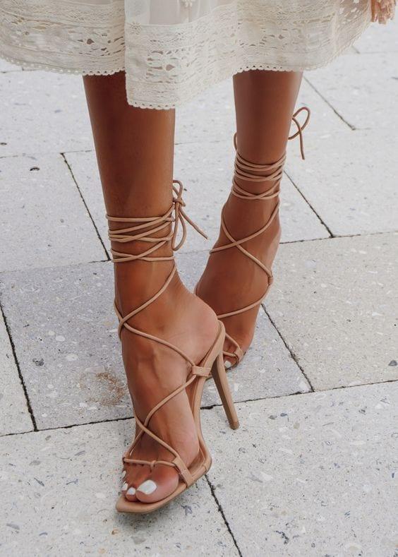 Opta por calzado en color nude