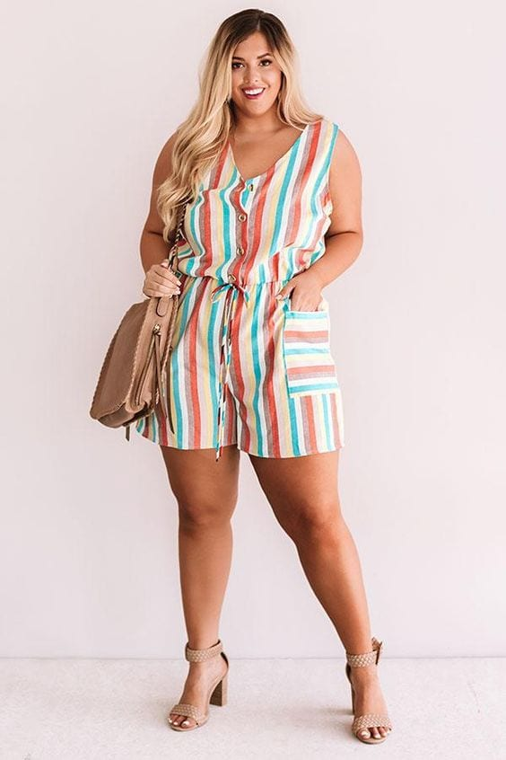 Outfits con romper para mujeres maduras plus size