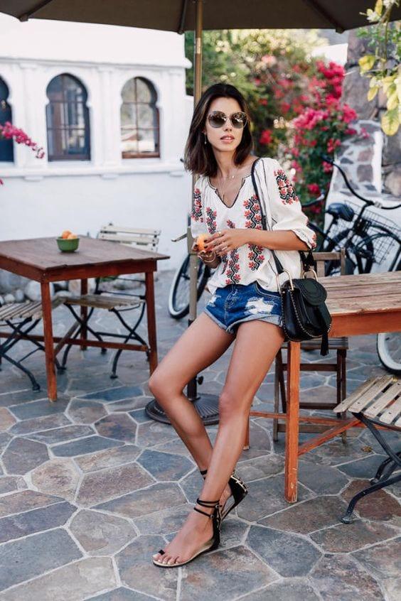 Outfits con sandalias planas