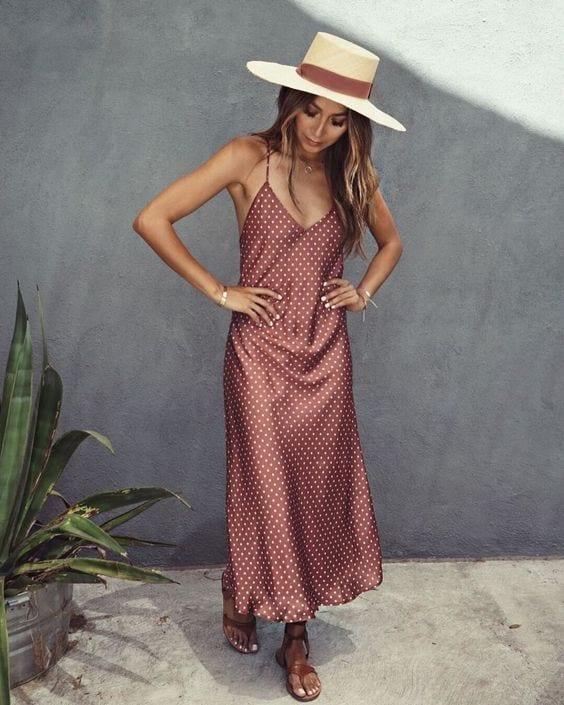 Outfits con slip dress para la playa