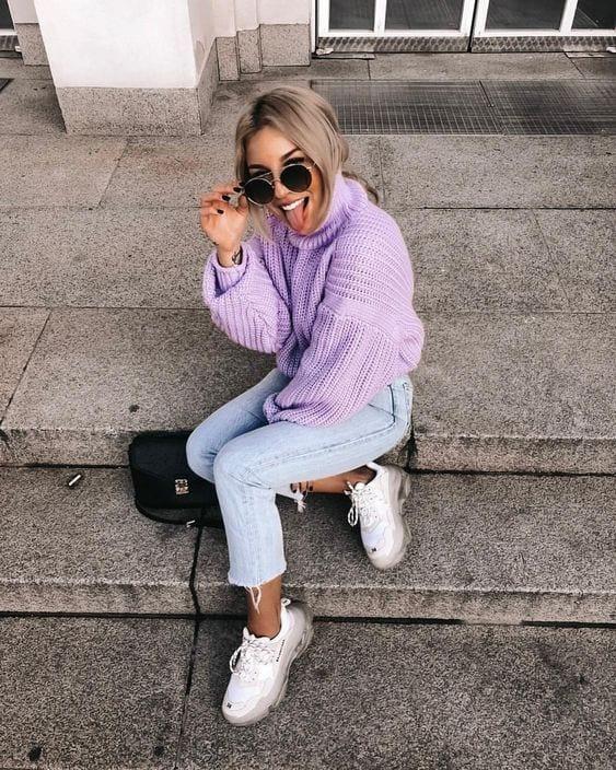 Outfits con sweater color lavanda