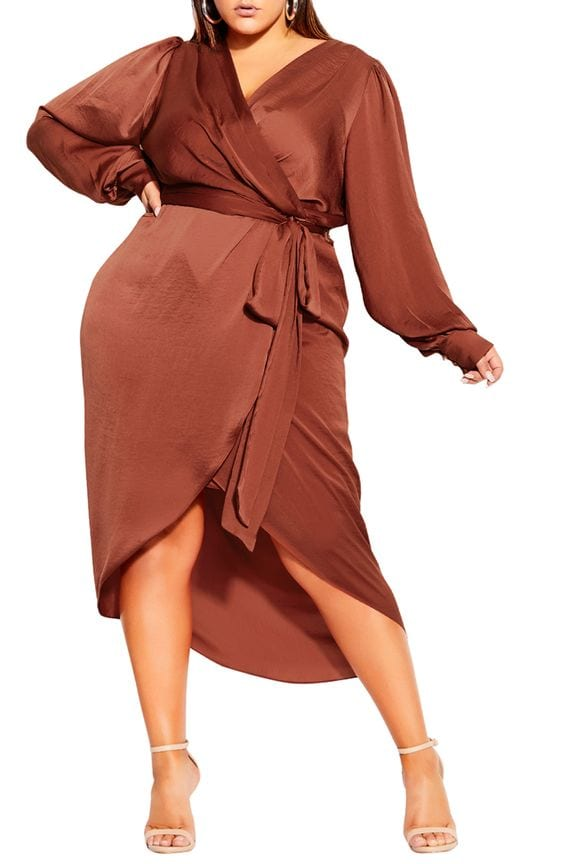 Outfits con wrap dress plus size