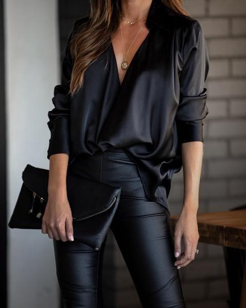 Blusas con escote en V