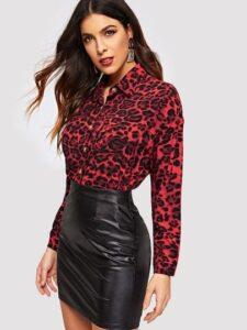 Blusas con estampado de leopardo rojo