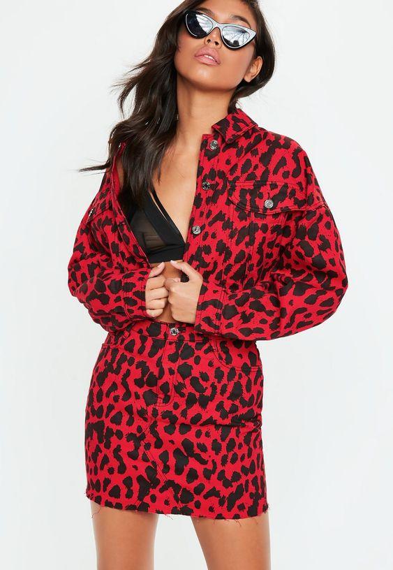 Conjuntos de dos piezas con estampado de leopardo rojo