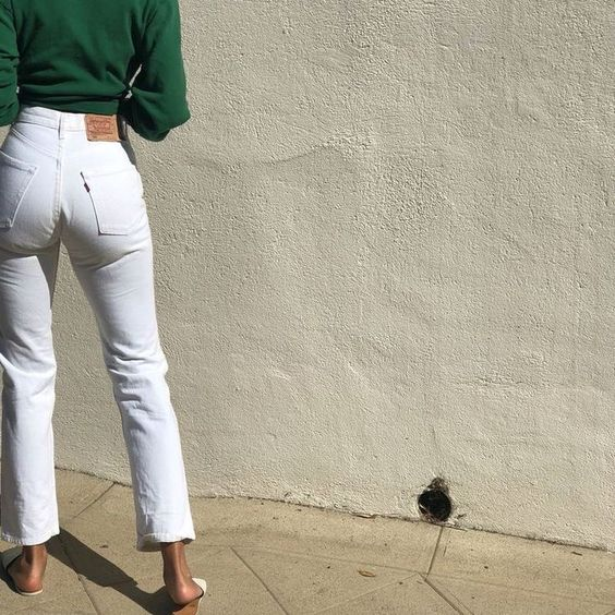 Cuida el grosor de la tela de tus pantalones blancos