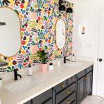 Diseños de papel tapiz para baños modernos