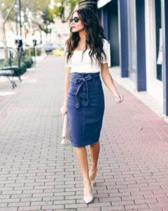 Faldas lápiz de mezclilla para mujeres maduras con tacones