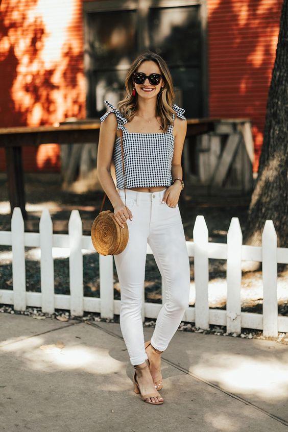 Formas de combinar pantalones blancos esta temporada