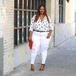 Ideas de looks con jeans blancos para mujeres plus size