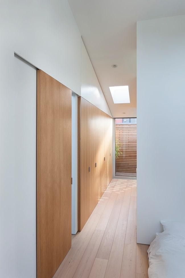 Instalar puertas corredizas en pasillos
