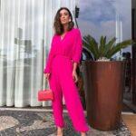 Jumpsuits en color bugambilia para mujeres maduras
