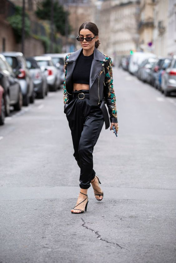 Leather jacket con crop tops