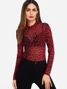 Looks con estampado rojo de leopardo tendencia 2021