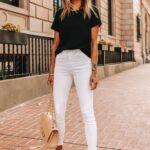 Looks con jeans blancos y blusas negras