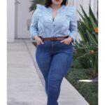 Looks con jeans para el trabajo plus size