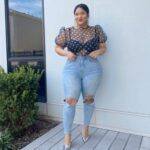 Looks con jeans para mujeres con curvas