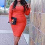 Looks con vestidos para mujeres con curvas