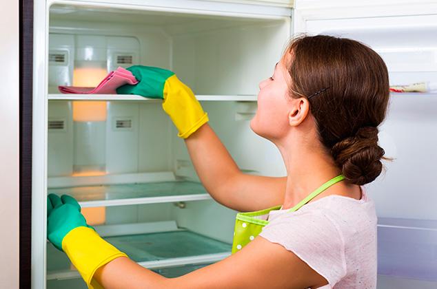 Manten el refrigerador limpio