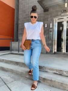 Outfits casuales con jeans rectos