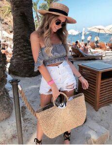 Outfits con short para la playa