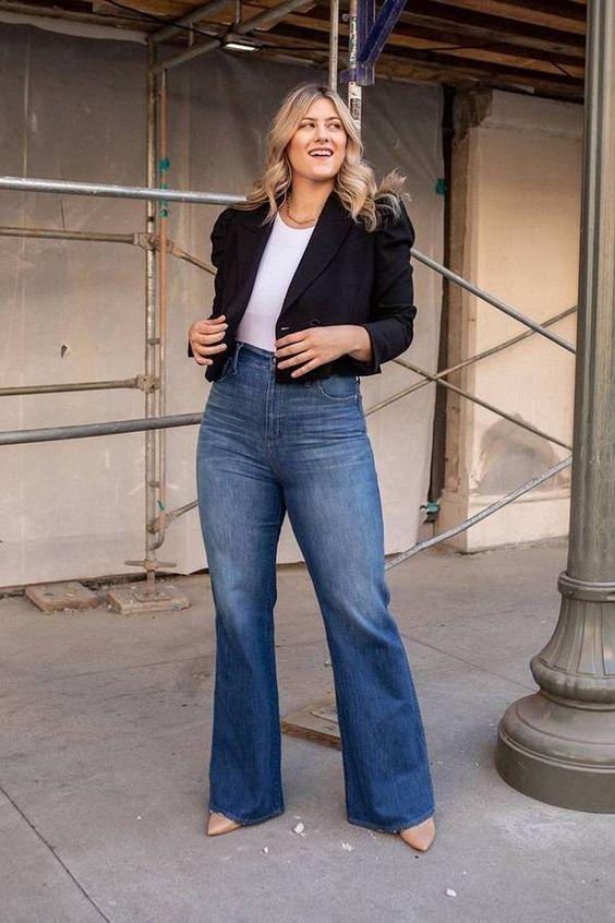 Jeans acampanados para mujeres plus size