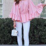 Usa blusas con mangas anchas